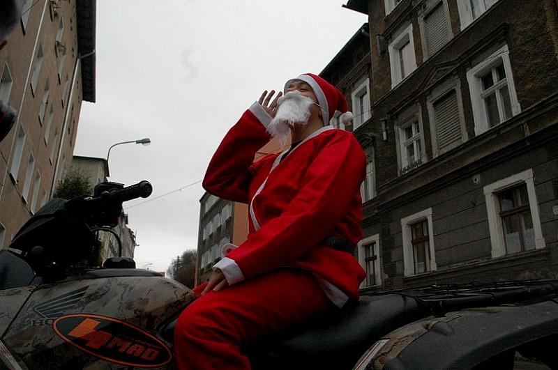 Mikołaj na quadzie