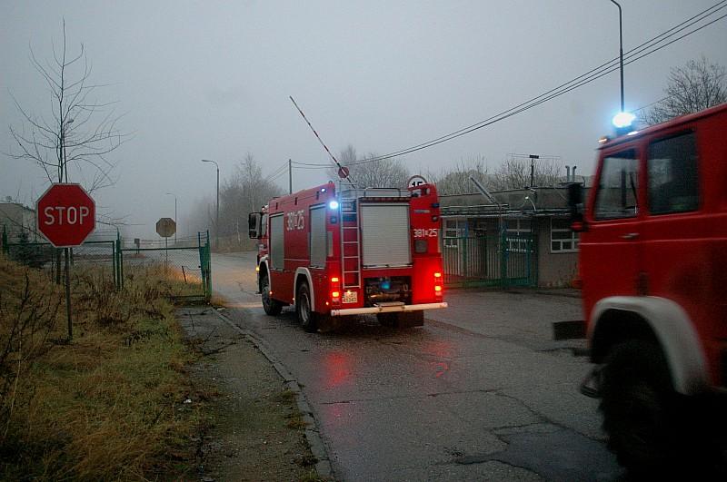 Potężny pożar hal