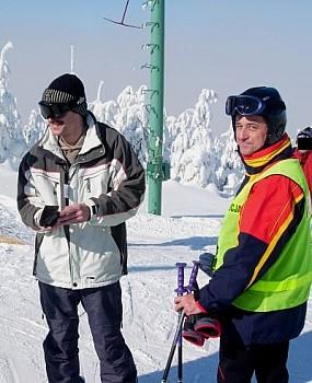Policyjny patrol narciarski