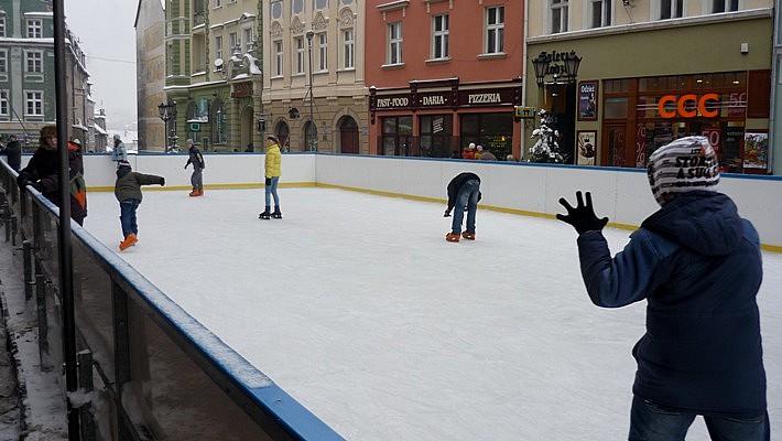 Zniszczyli dzieciom lodowisko