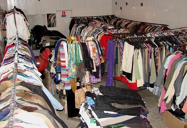 Tysiące darmowych ubrań