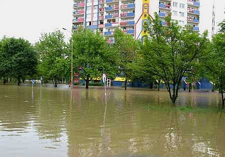Pieniądze dla powodzian i samorządów
