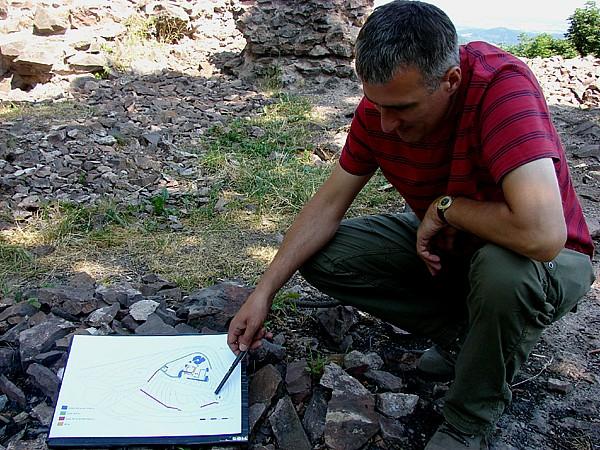 Archeolodzy na Rogowcu