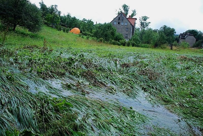 Powódź  sieje spustoszenie - zdjęcia