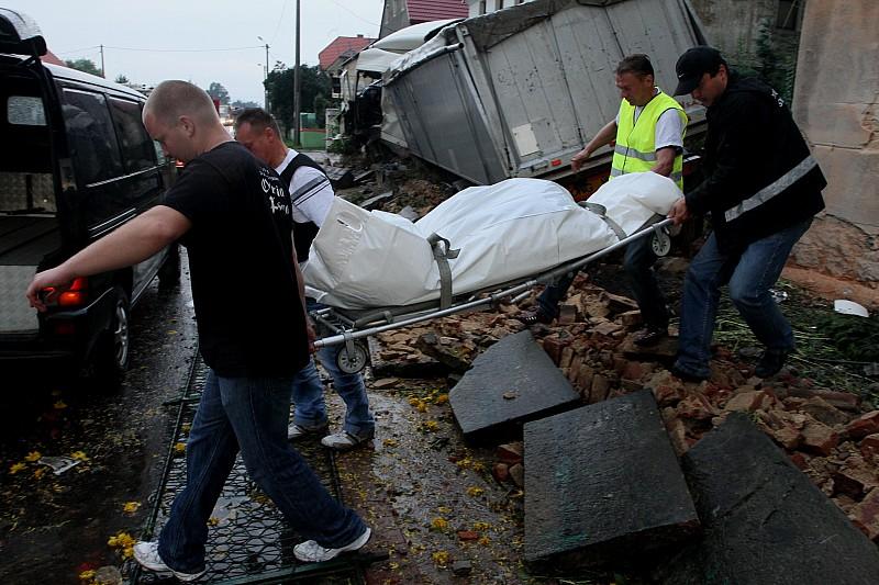 Tragedia w Słotwinie: TiR zabił dwie osoby