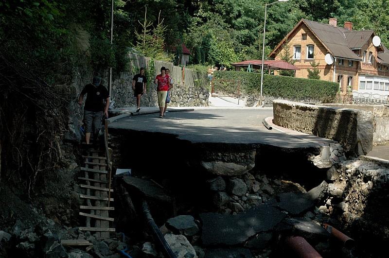 Będą odbudowywać zniszczone mosty
