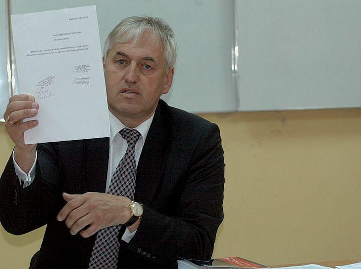 Zibrow już zarejestrował komitet