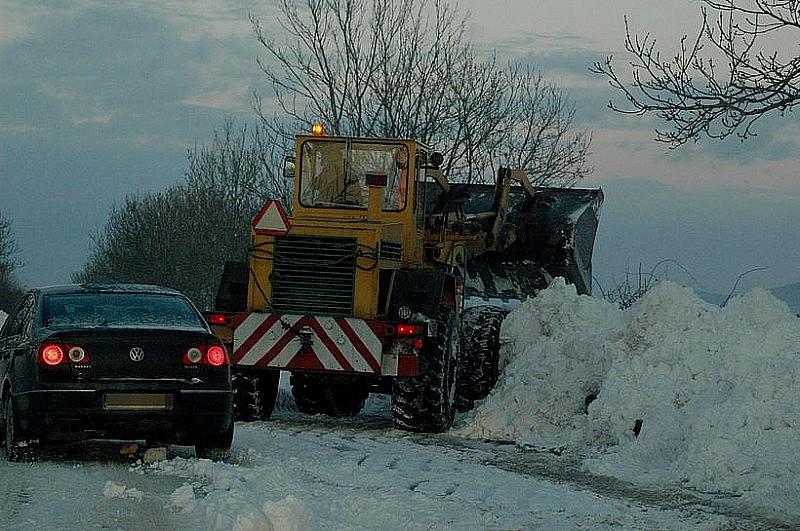 Świdnickie też walczy z zimą. Więszkość dróg przejezdnych