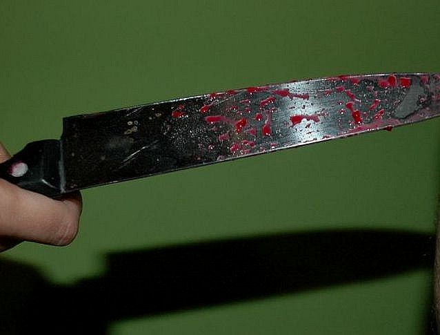 Dźgał nożem na oślep