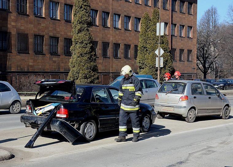 Kolejny wypadek pod nosem policji