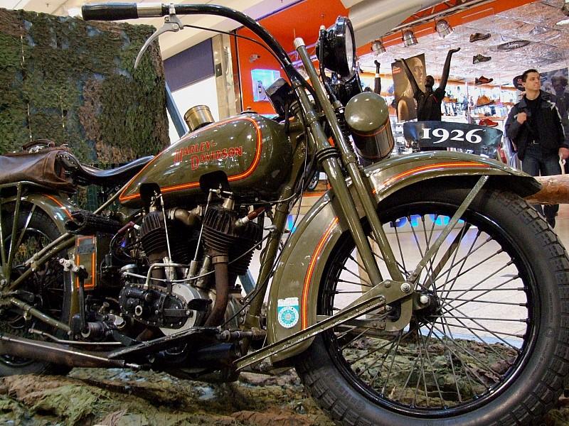 Najstarsze Harleye w Galerii Victoria