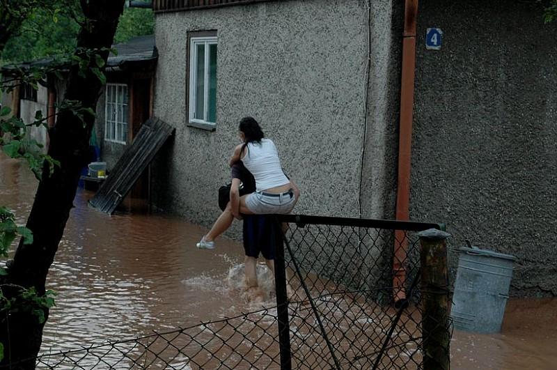 Bystrzyca zalała Głuszycę