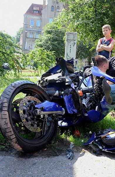 Zderzenie motocykla z terenówką
