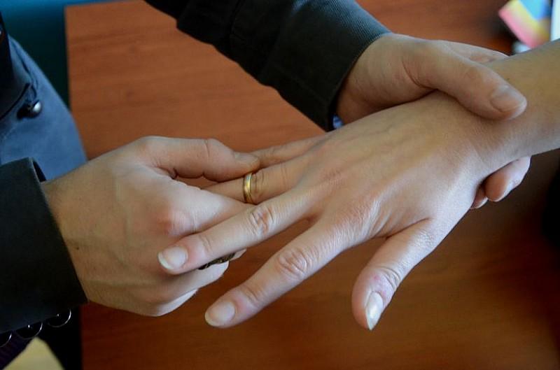 Więcej rozwodów mniej małżeństw