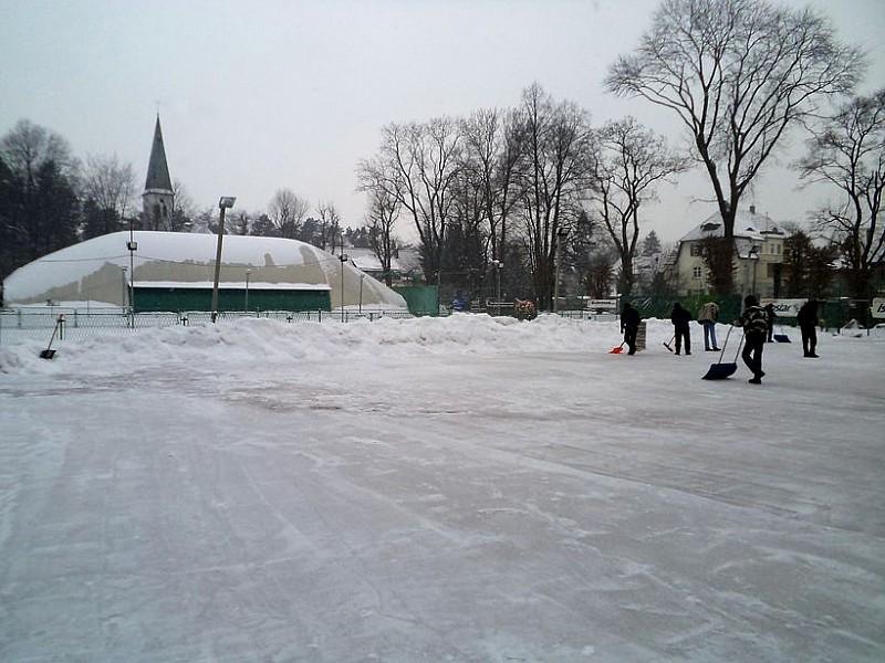 Naturalne lodowisko w Szczawnie