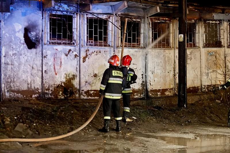 Duży pożar baraków - zobacz zdjęcia