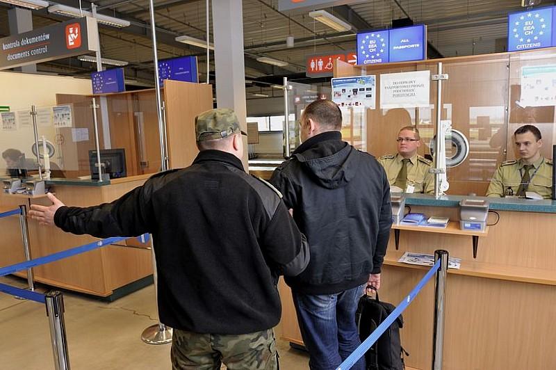Zatrzymania na wrocławskim lotnisku