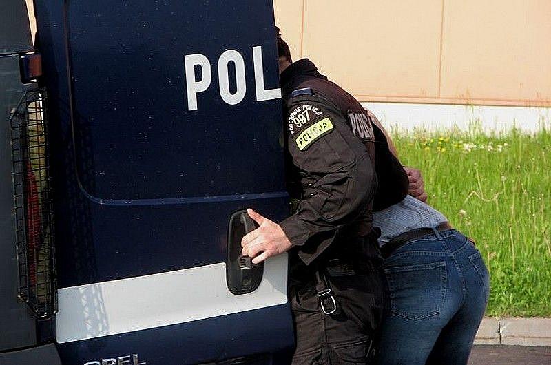 Zaatakował policjanta na Juwenaliach