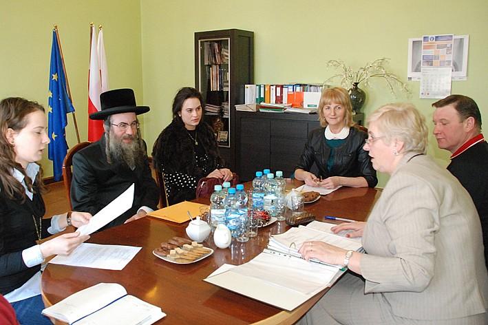 Wizyta Rabina zakończona porozumieniem