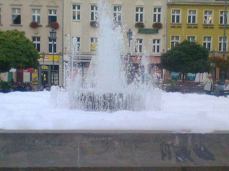 Zrobili z fontanny wannę