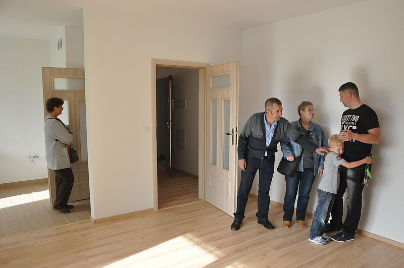Odebrali klucze do mieszkań