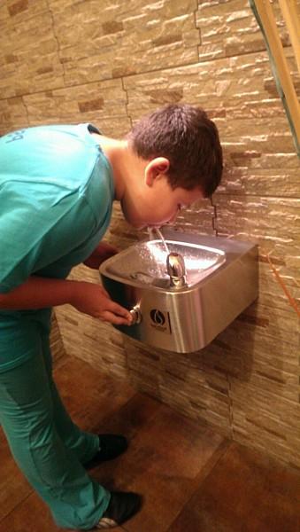 Źródełka wody w szkołach
