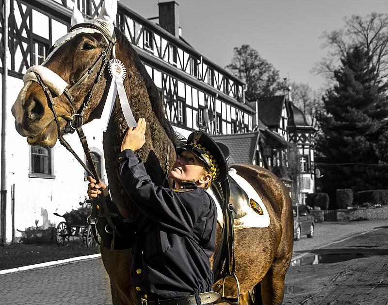 Zostań strażniczką konnego patrolu