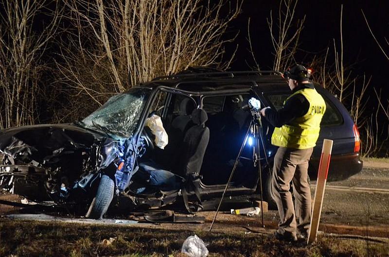 Nocny wypadek - zobacz zdjęcia