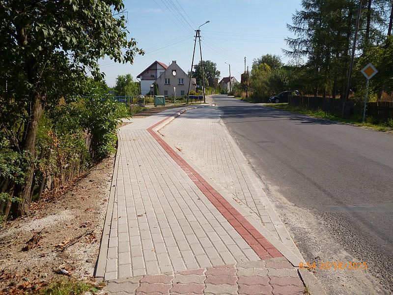 Budują chodniki