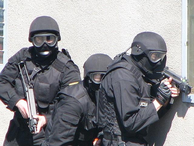 Szukają fałszywych policjantów