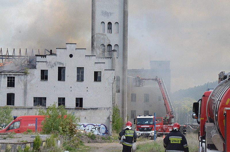 Płonęła porcelana Wałbrzych - zdjęcia